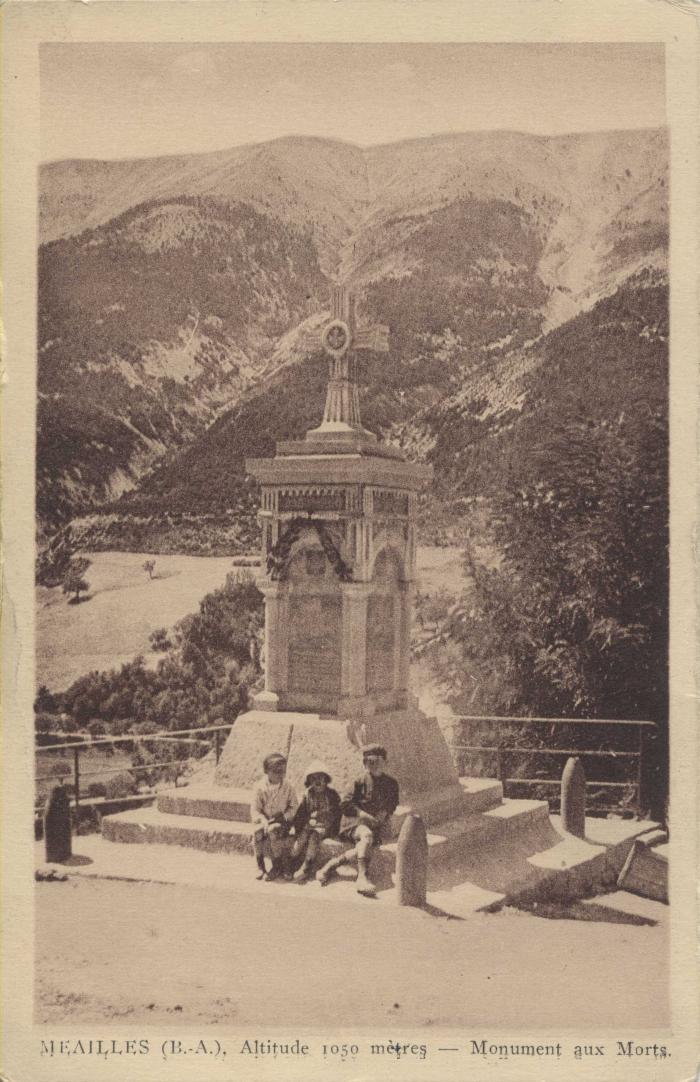Méailles (B.A.) altitude 1050 mètres - Monuments aux morts.
